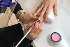 Curso de uñas artificiales en gel
